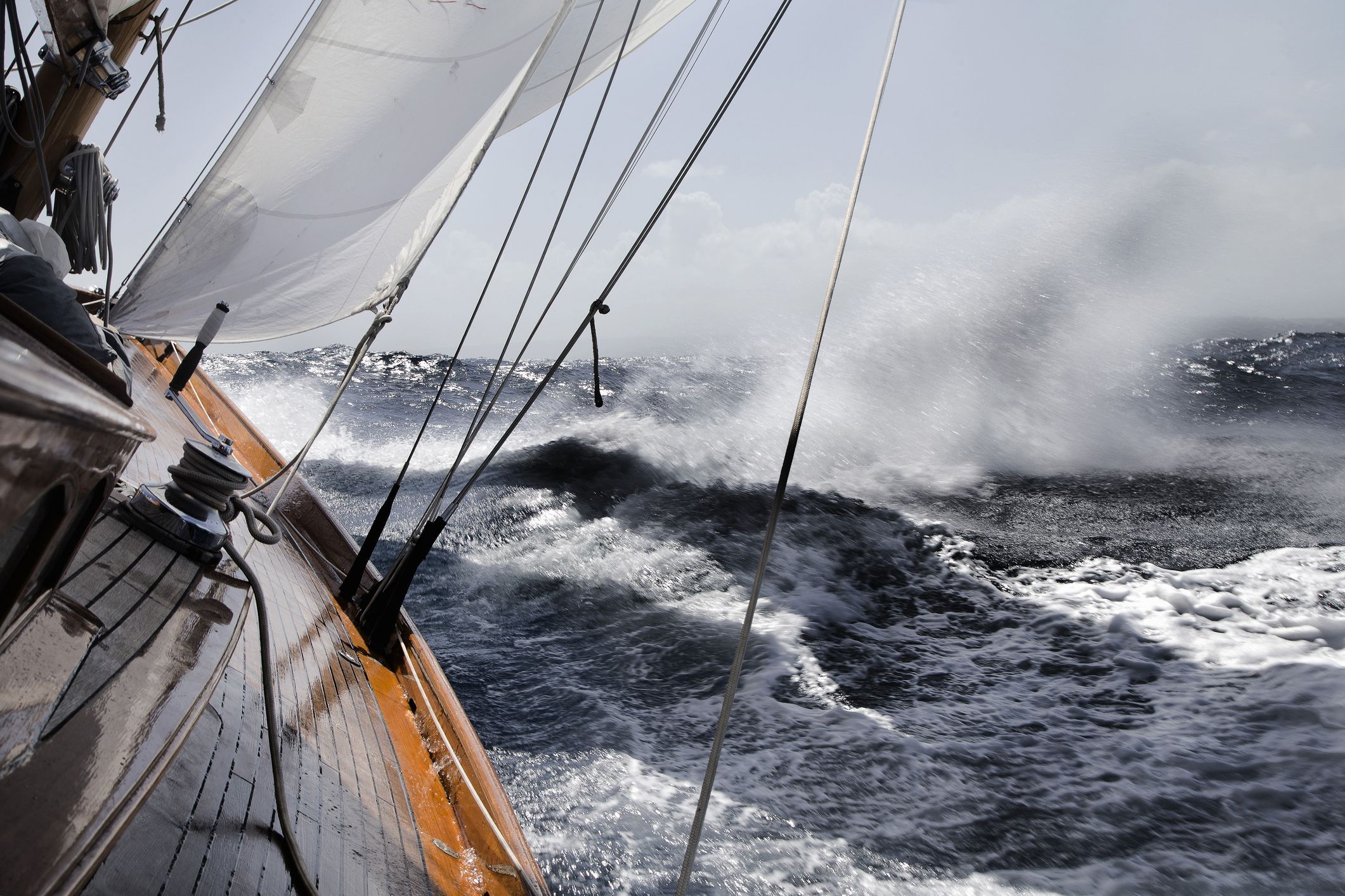 Learn How to Adjust Sailboat Sails for Stronger Winds