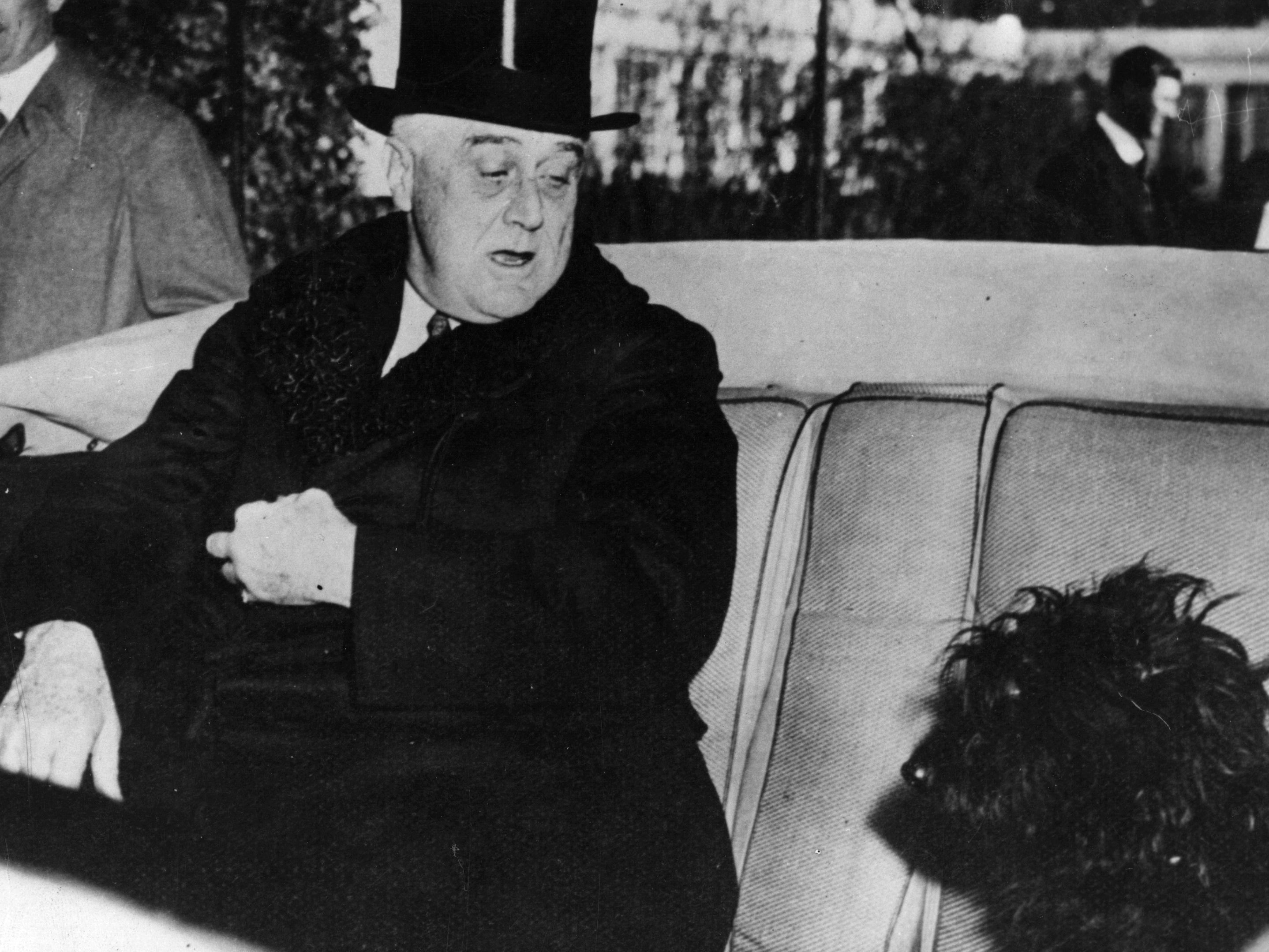 Old Photo Eleanor Roosevelt  /& Dog Fala