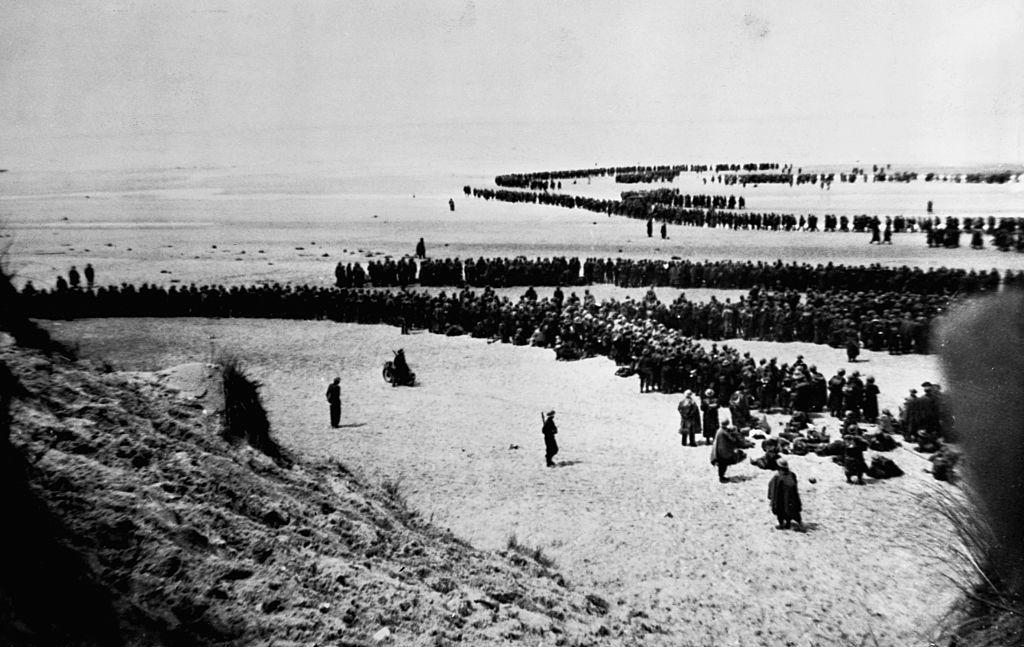 Las tropas británicas y francesas esperan una evacuación apresurada de las playas de Dunkerque,