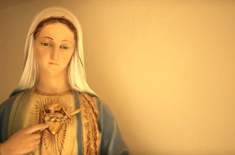 Virgin Mary golden heart Beauring