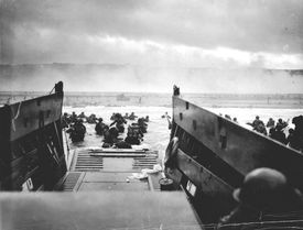 US troops landing on Omaha Beach, Normandy