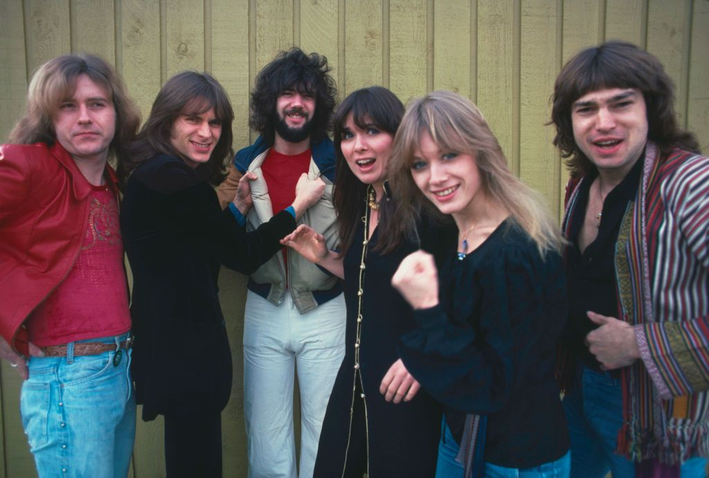 six members of the band Heart