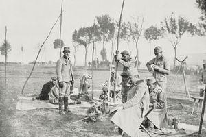 Austrian army field telegraph, Poland, World War I, from LIllustrazione Italiana, Year XLI, No 48, November 29, 1914