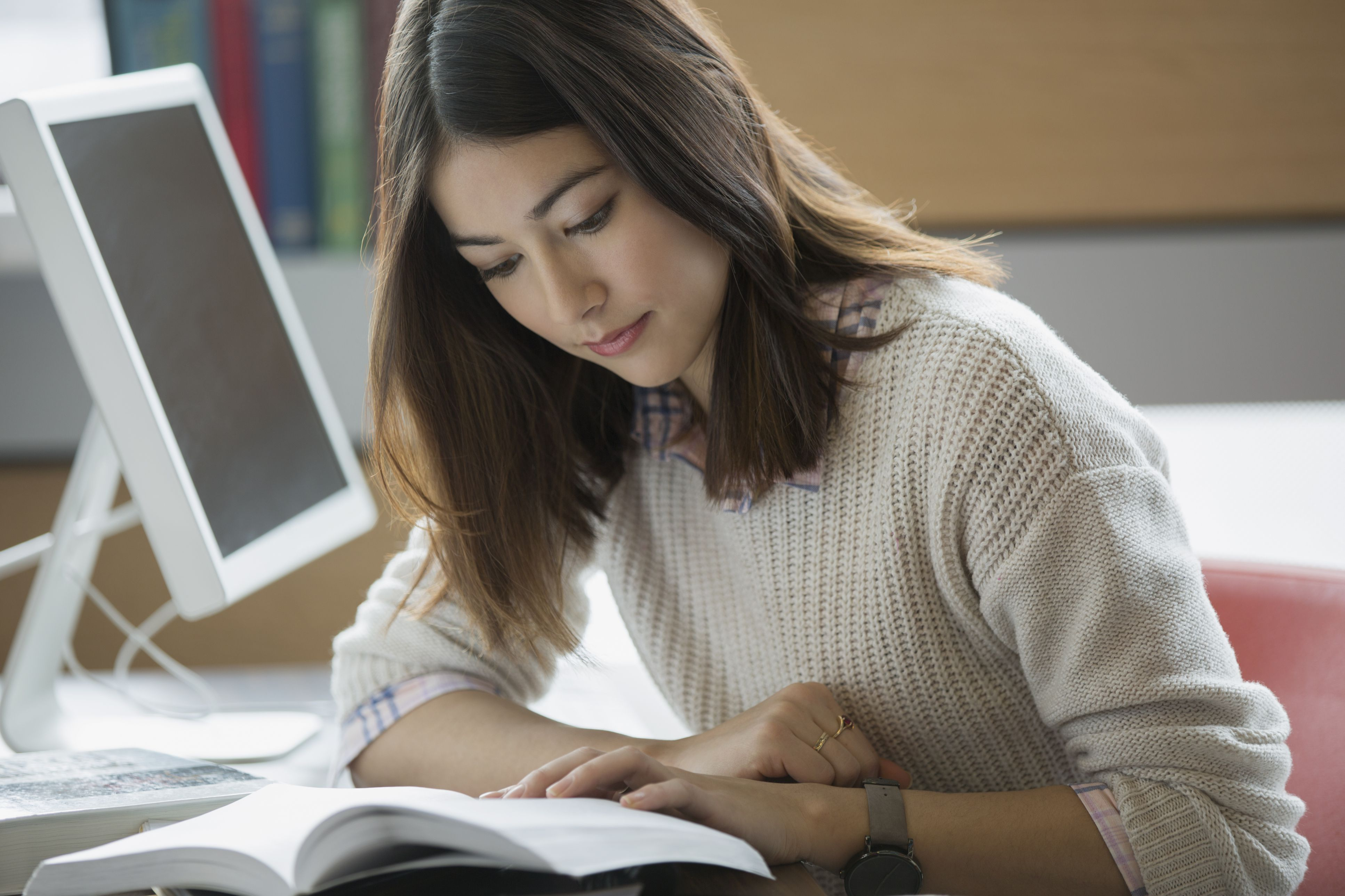 Be strategic to get the most out of your reading time.