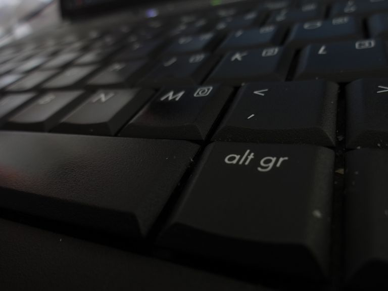 keyboard displaying Alt key