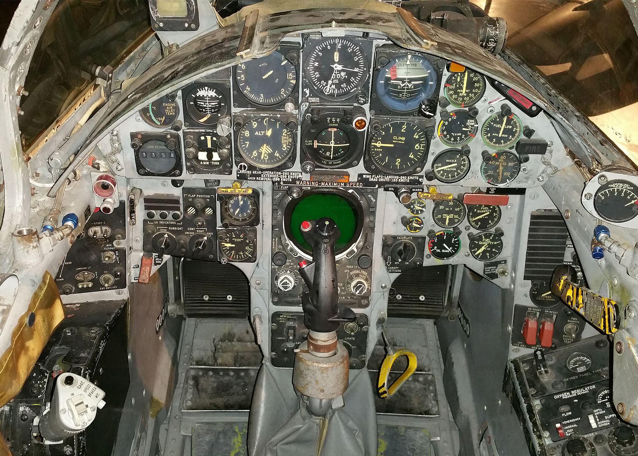 F-104 cockpit
