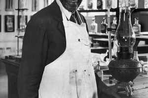 Dr Carver in a chemistry lab, 1935
