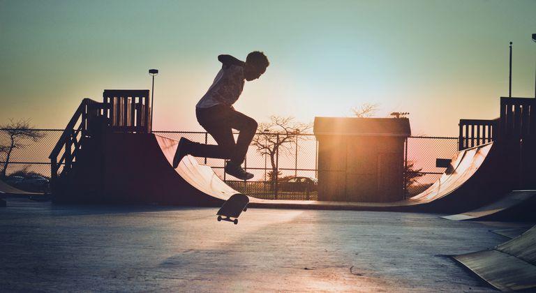 Hasil gambar untuk skateboarding