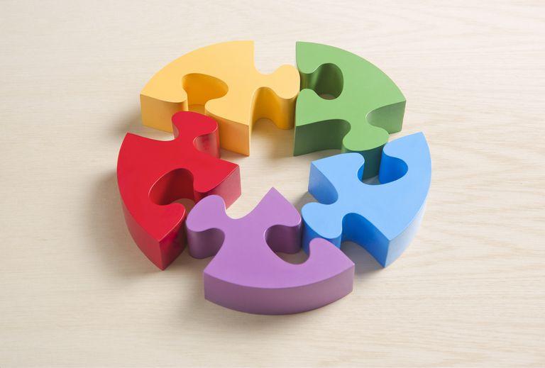 Five puzzle pieces - pentad