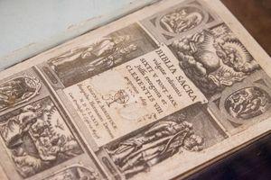 ancient Bible Vulgate 1590 edition