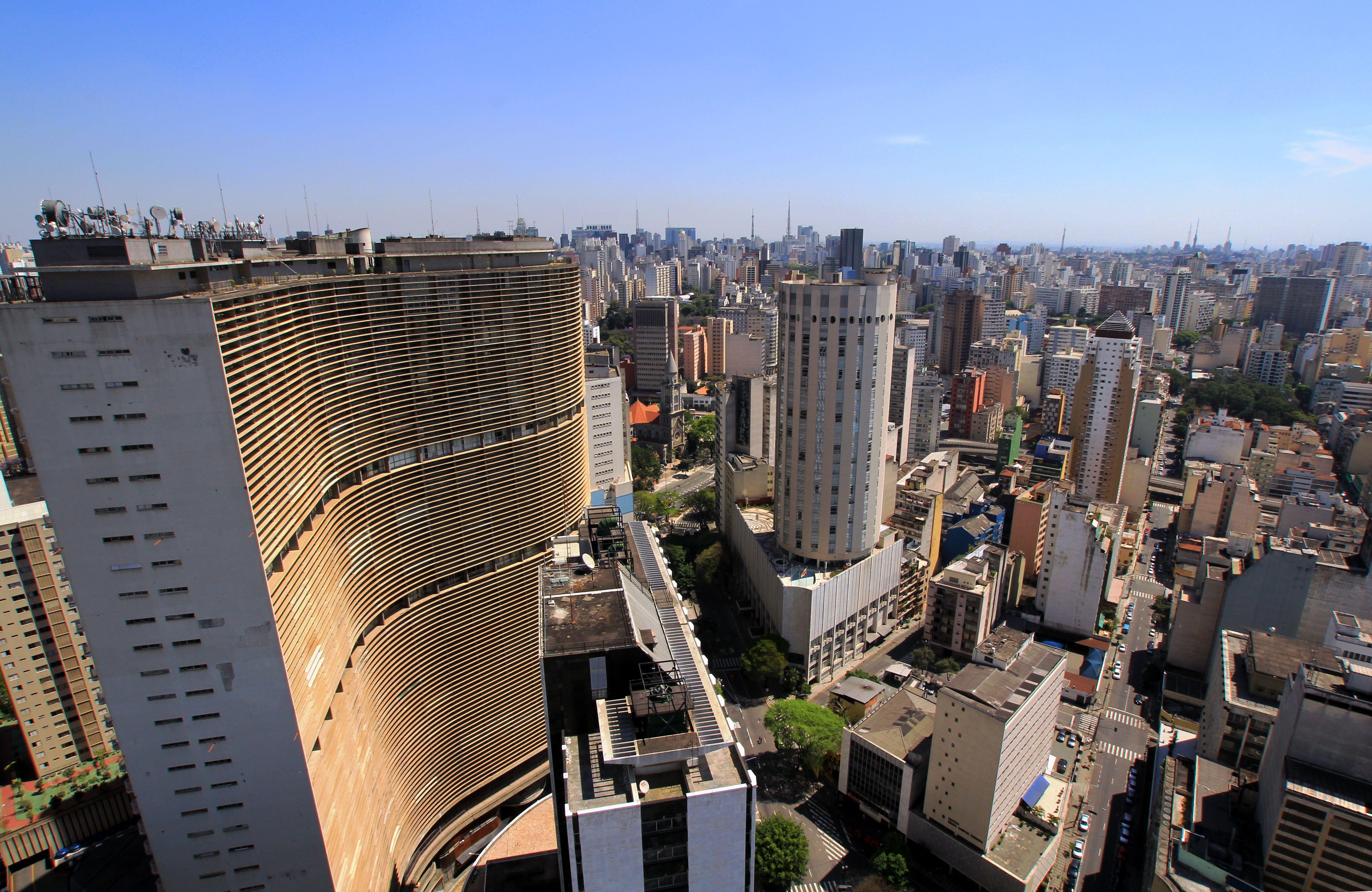 Oscar Niemeyer's 38-story S-shaped residential building in São Paulo, Brazil.