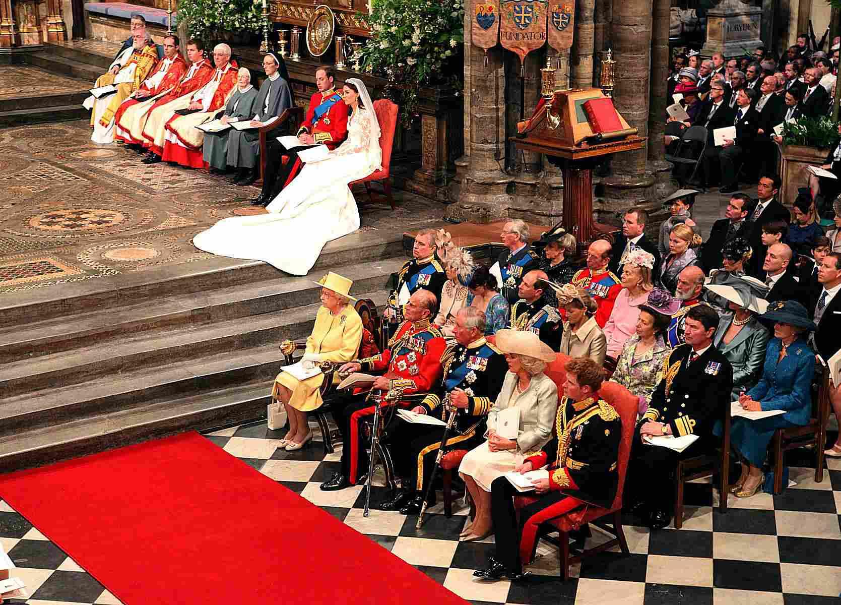 キャサリンとウィリアムと王室-2011