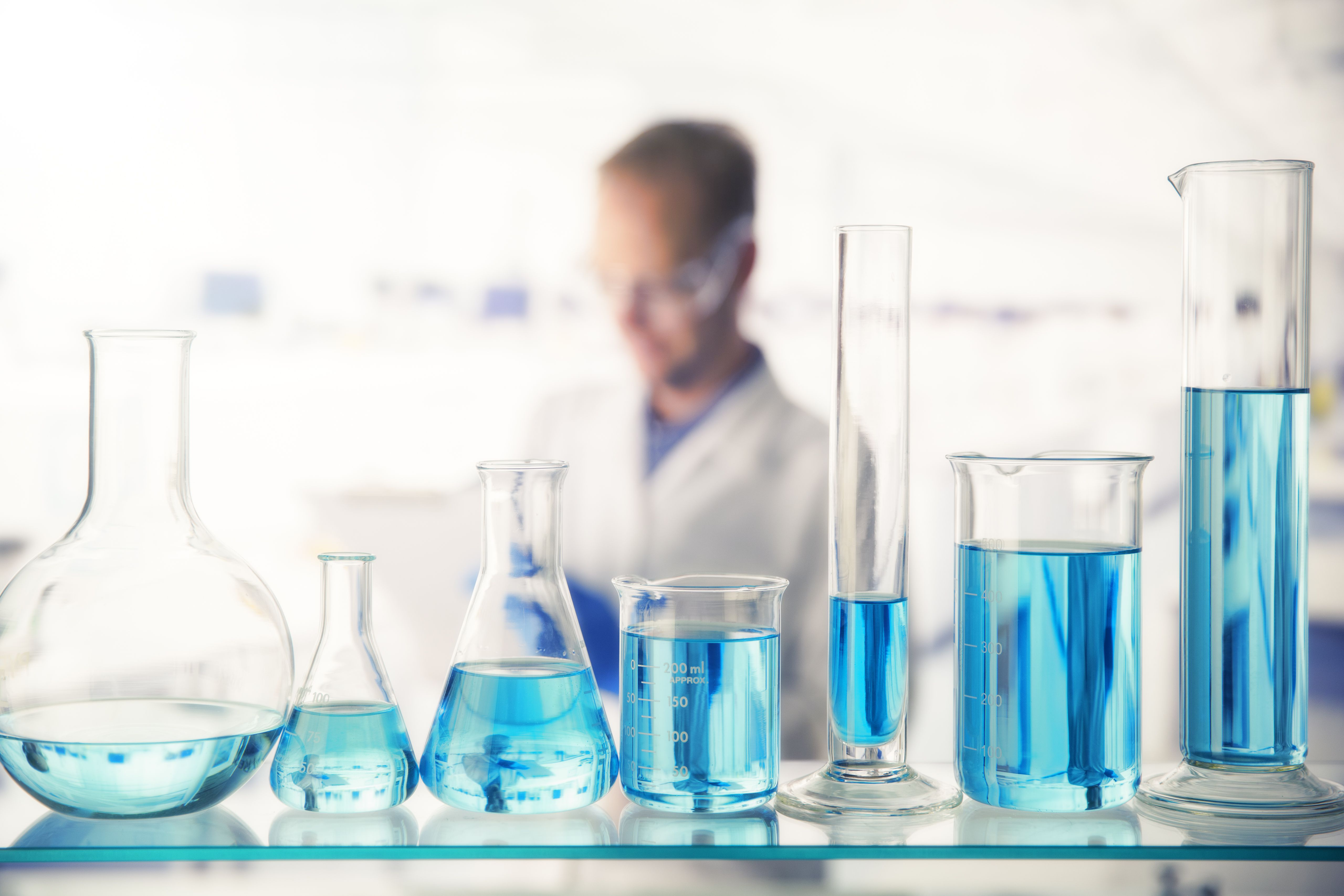 What is the Difference Between Molarity and Molality?