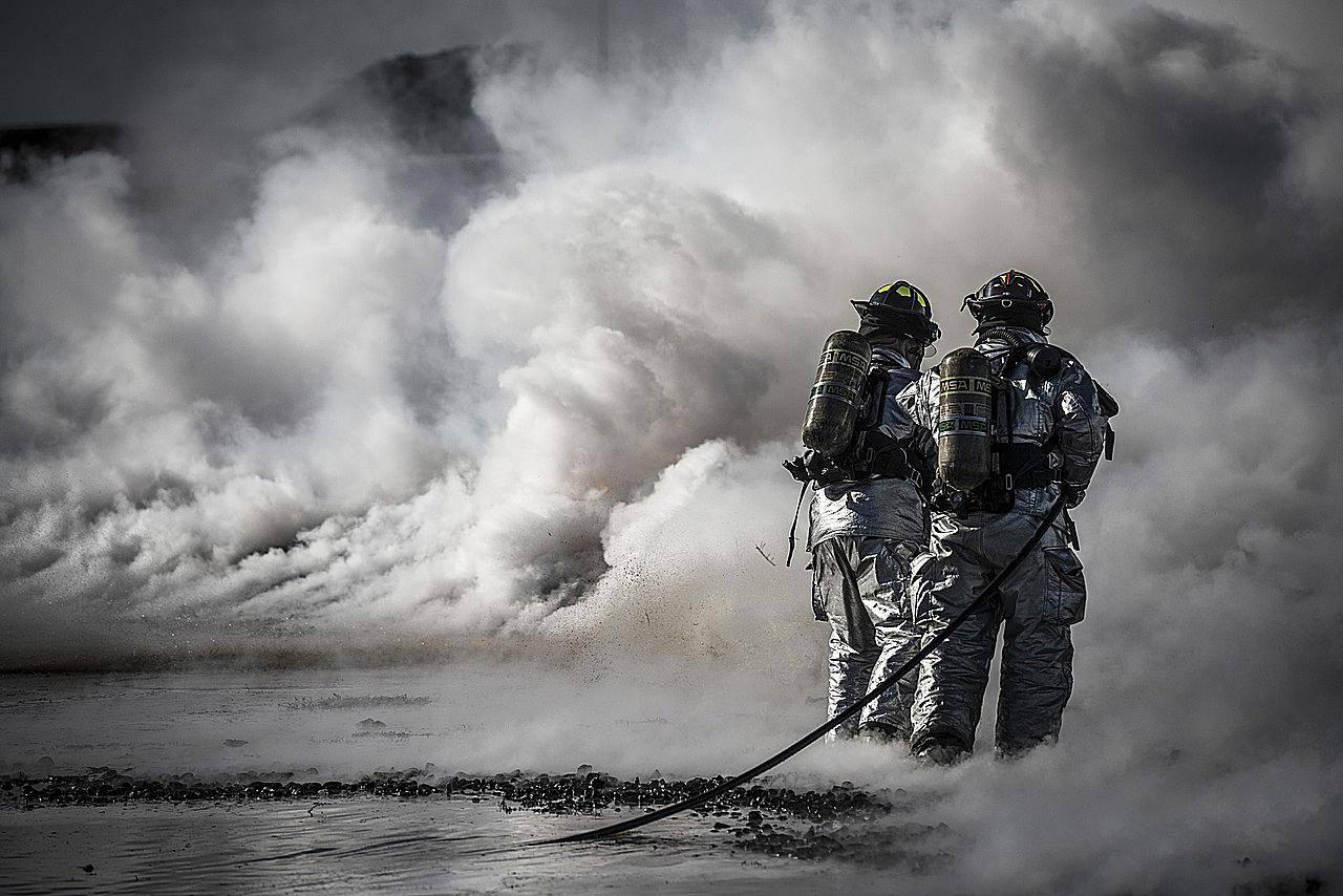 Profesiones más demandadas por gobierno federal: bomberos