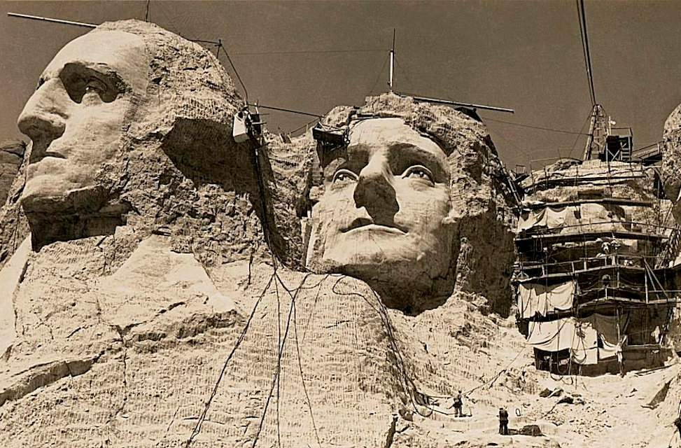 Mt Rushmore Art Project