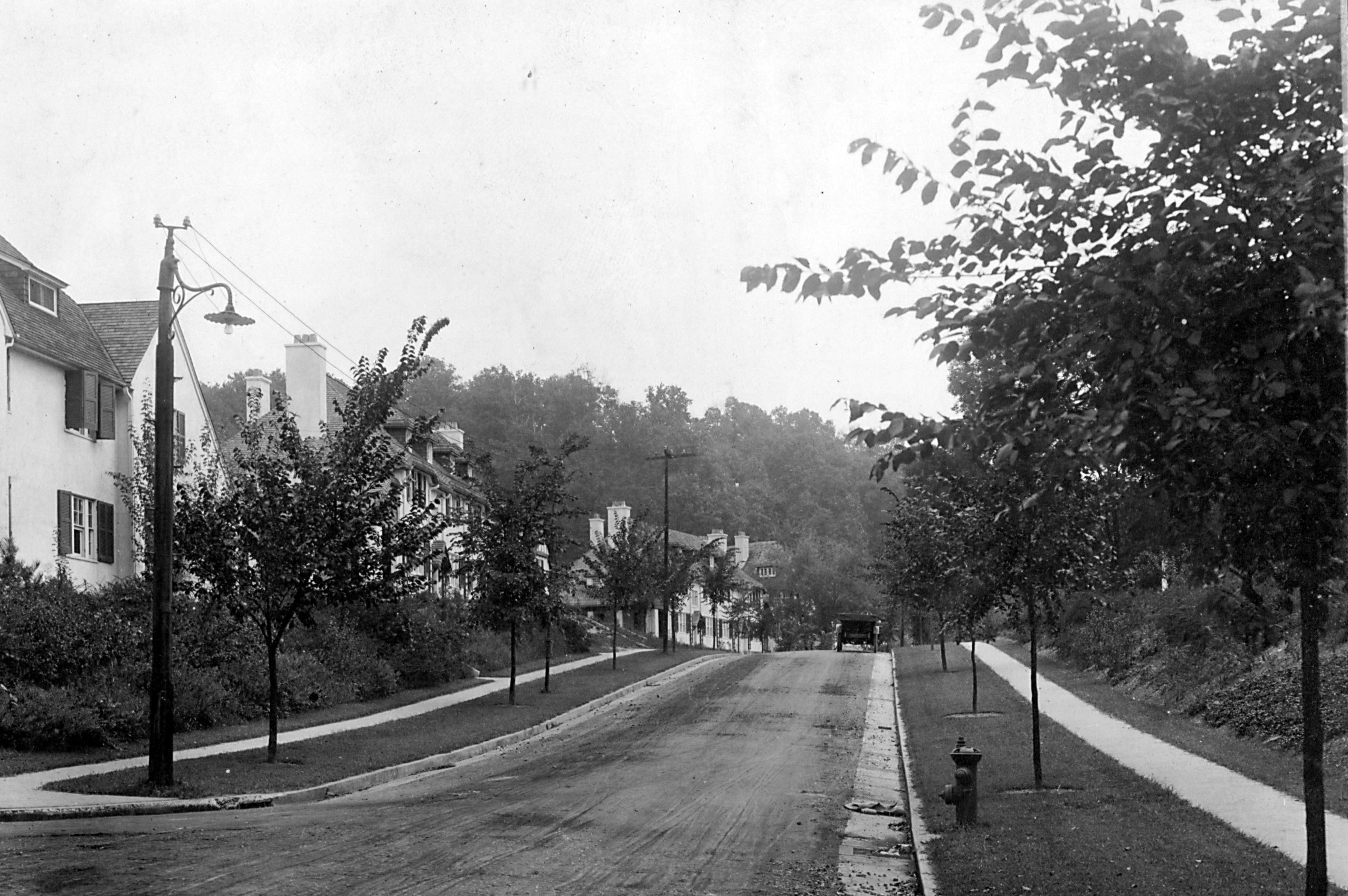 Historic black and white photo of Roland Park, Baltimore, Designed by Frederick Law Olmsted Jr c. 1900