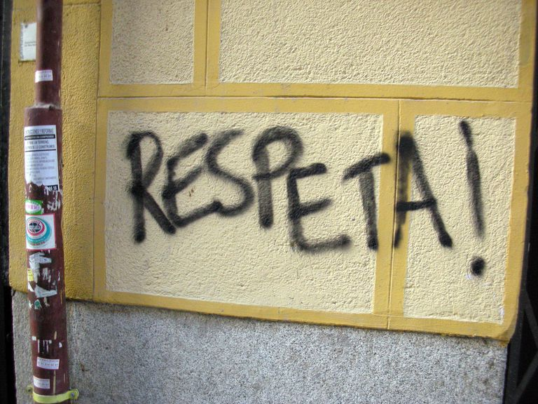 respeta as an example of the Spanish imperative mood