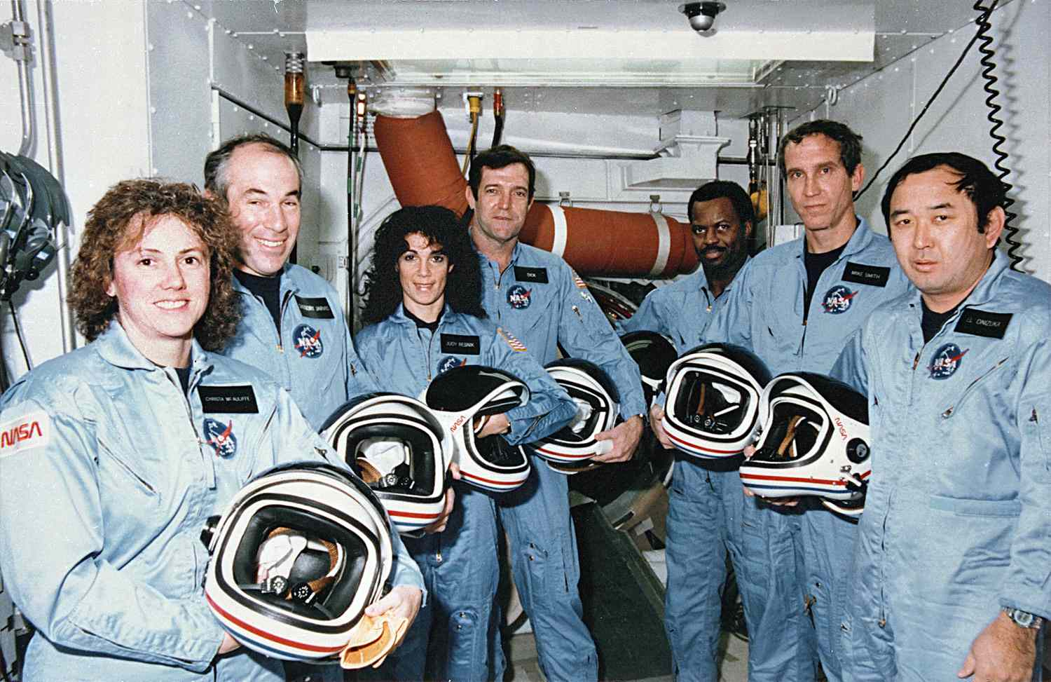 Space Shuttle Challenger Disaster STS-51L Pictures - 51-L Challenger Crew in White Room