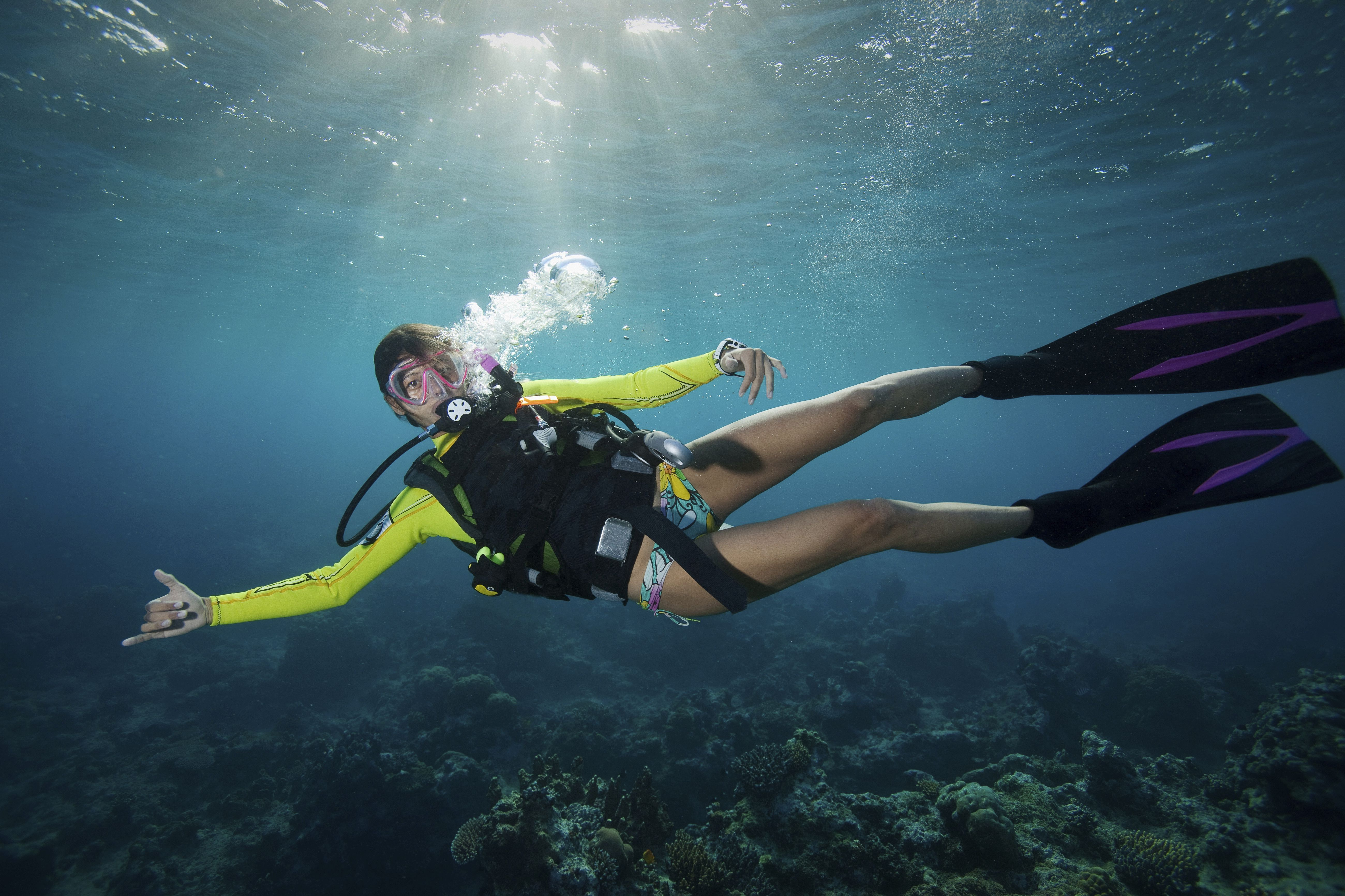 5 ways to keep your hair out of your face when scuba diving - Dive in scuba ...